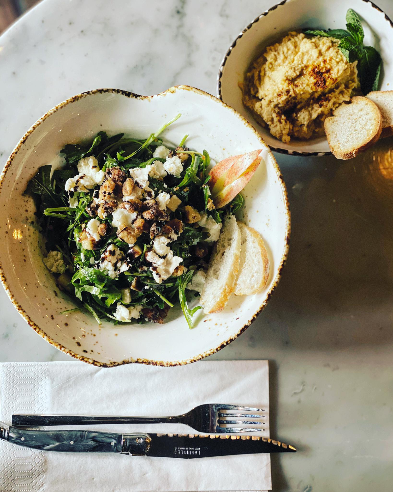 CafeLouve_Salade_Hummus
